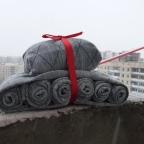 Подарок мужчине — танк из носков
