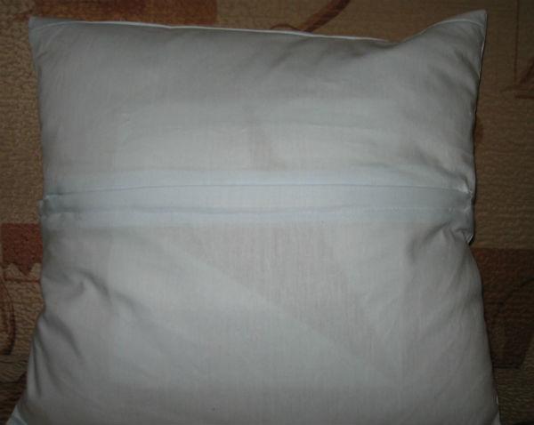 Обратная сторона подушки с застежкой молния