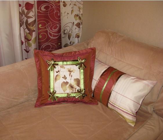 Подушка с бисером